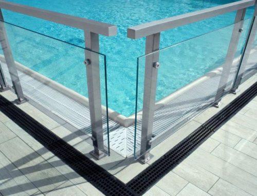 La relevancia de las vallas en las piscinas